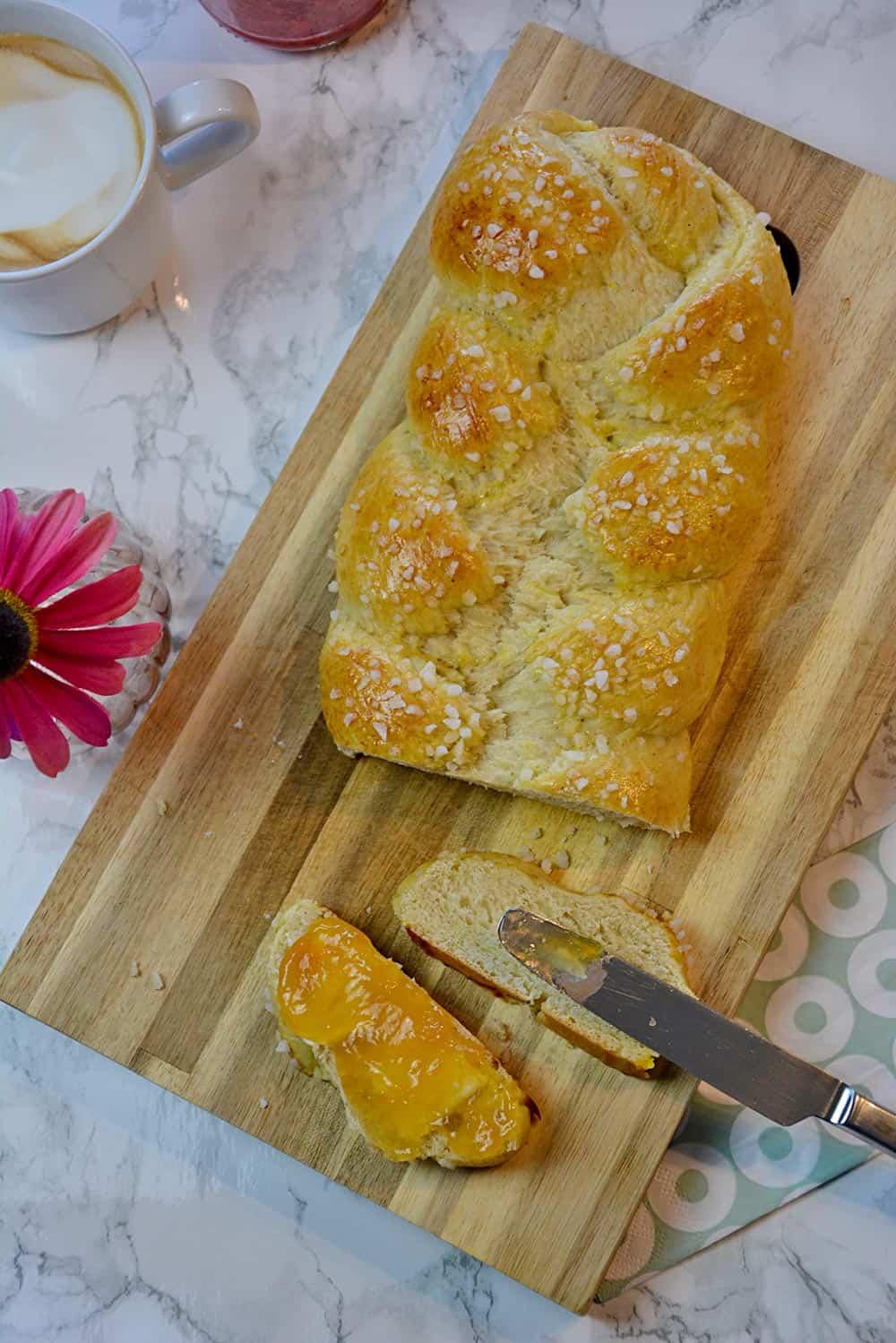 Ein einfaches Butterzopf Rezept für deinen Brunch zu Ostern.