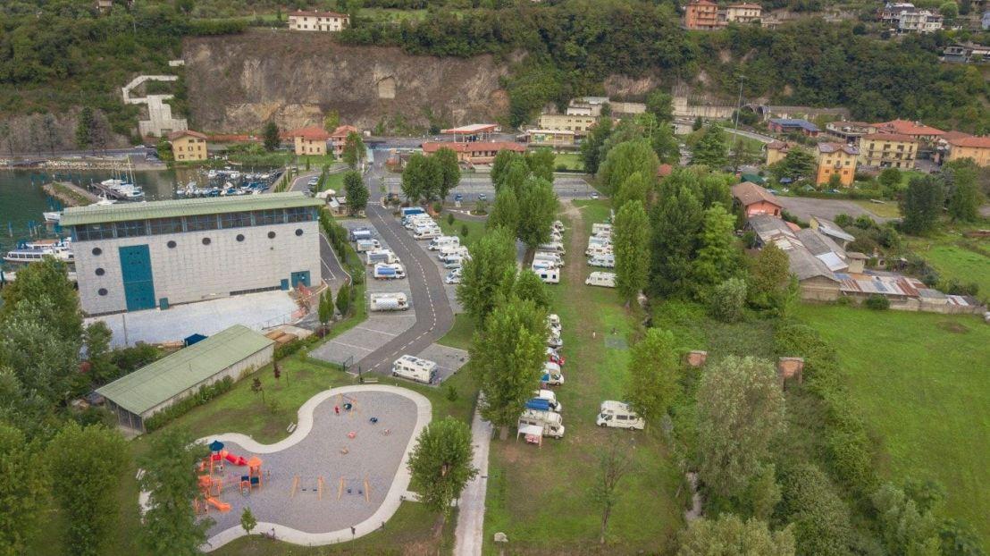 Area Sosta Costa Volpino