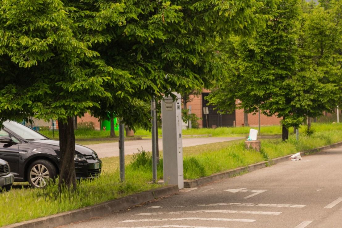 camper Reggio Emilia colonnina per richiedere il ticket del bus
