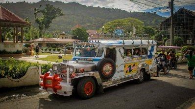 Typischer philippinischer Jeepney