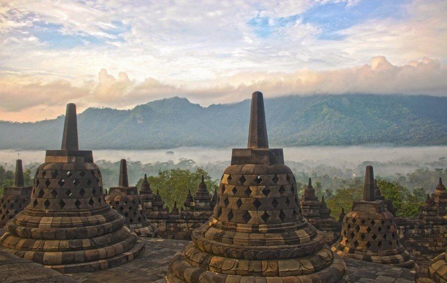 Stupas auf dem Borobudur HDR