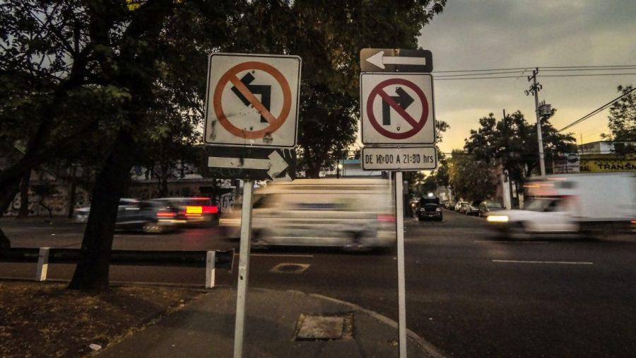 Verkehrsschilder in Mexico City