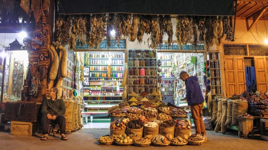 Straßenhändler in Marrakesch