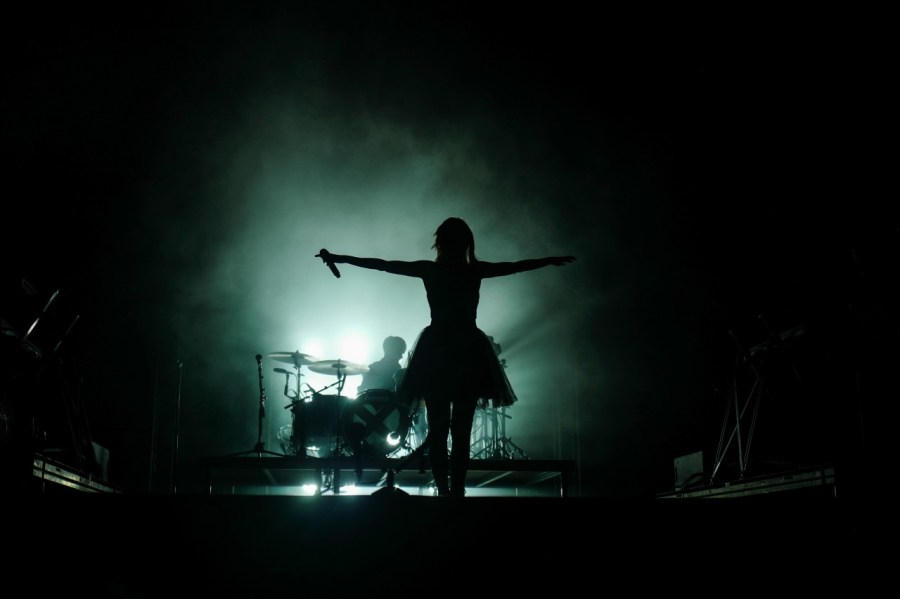 Chvrches live auf dem Best Kept Secret Festival 2018