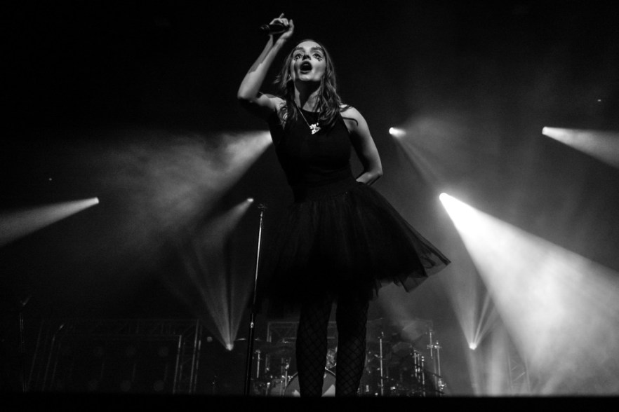 Chvrches live auf dem Best Kept Secret Festival 2018
