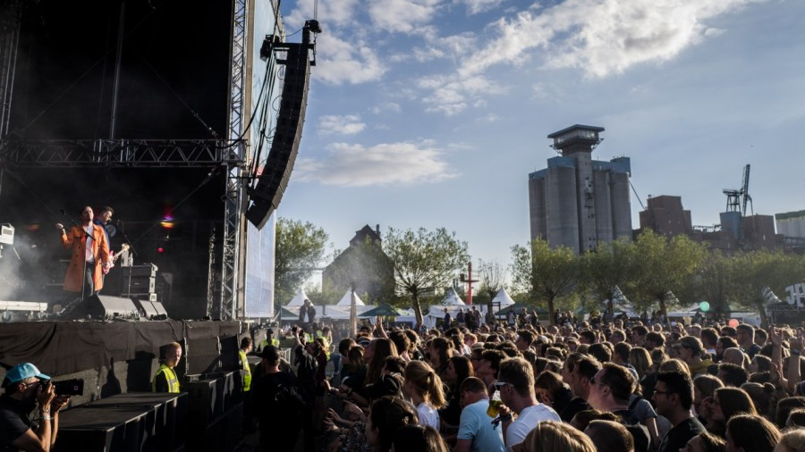 Everything Everything live auf dem MS Dockville Festival