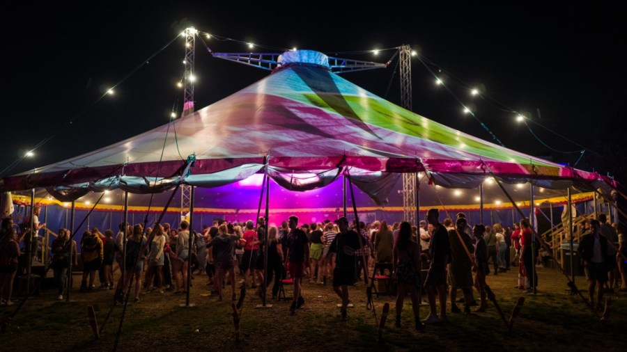 Tentakel-Zelt auf dem MS Dockville Festival