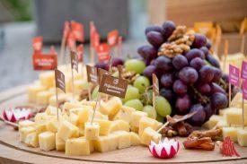 Käse der Hafenkäserei gab's auch. (Foto: Michael Bührke)