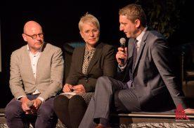Markus Lewe (l.) und Robin Denstorff (r.) im Gespräch mit der Moderatorin Frauke Burgdorff. (Foto: Michael Bührke)
