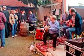 Live-Musik gab's von The Munster Men, Die 3 lustigen 2, Anteplugged und Charlie's Lucky Day. (Foto: mb)