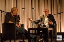 Leonard Lansink mit Jürgen Kehrer, dem Erfinder des Privatdetektivs Georg Wilsberg, bei einer gemeinsamen Lesung. (Foto: Thomas Hölscher)
