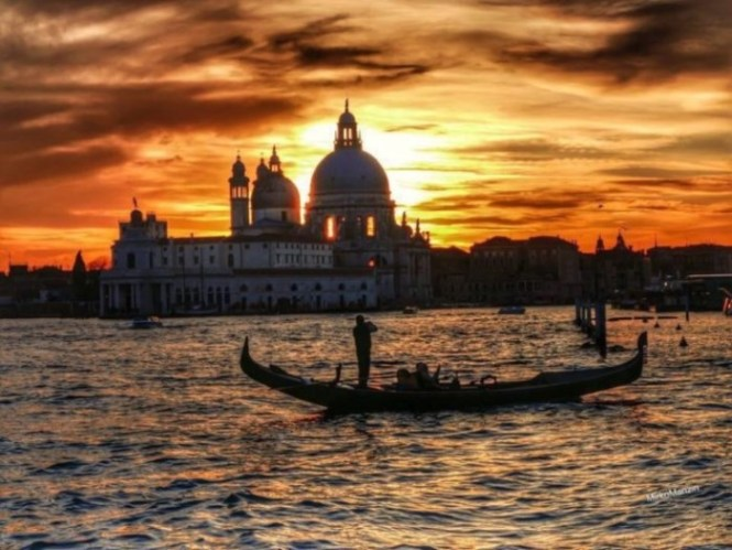 Veneti%C3%AB - TOP 10 MOST ROMANTIC CITIES OF EUROPE