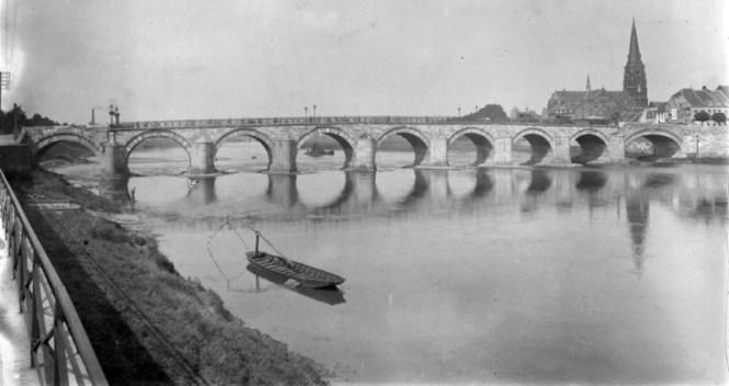 Sint Servaasbrug - TOP 10 MOST FAMOUS BRIDGES IN THE NETHERLANDS