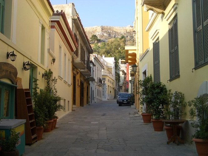 Plaka - TOP 10 BEST AND MOST FAMOUS ATTRACTIONS IN ATHENE GREECE