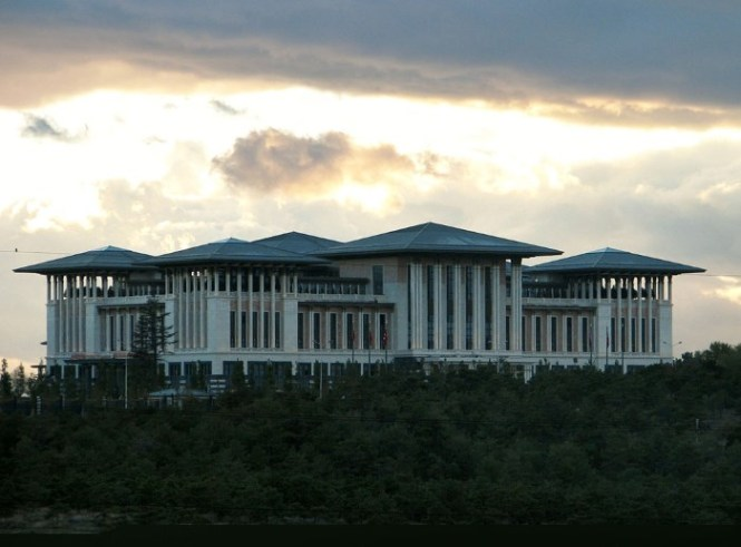 Ak Saray - TOP 10 LARGEST PALACES AND RESIDENTIAL BUILDINGS IN THE WORLD