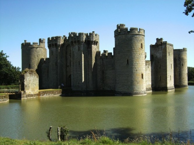 Bodiam Kasteel - TOP 10 MOST BEAUTIFUL CASTLES IN THE WORLD