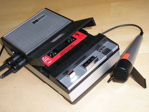 Cassettebandje - TOP 10 MOST FAMOUS DUTCH INVENTIONS