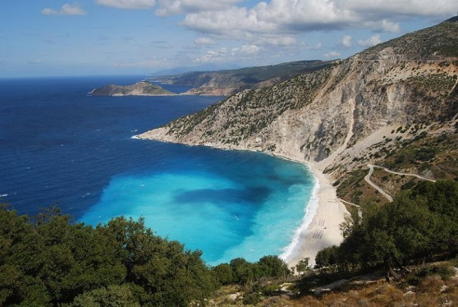 Cephalonia2 - TOP 10 MOST BEAUTIFUL GREEK ISLANDS