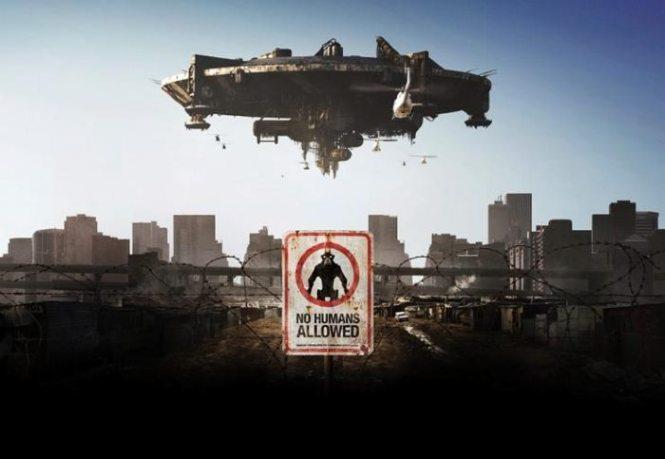 District 9 - TOP 10 BEST ALIEN MOVIES