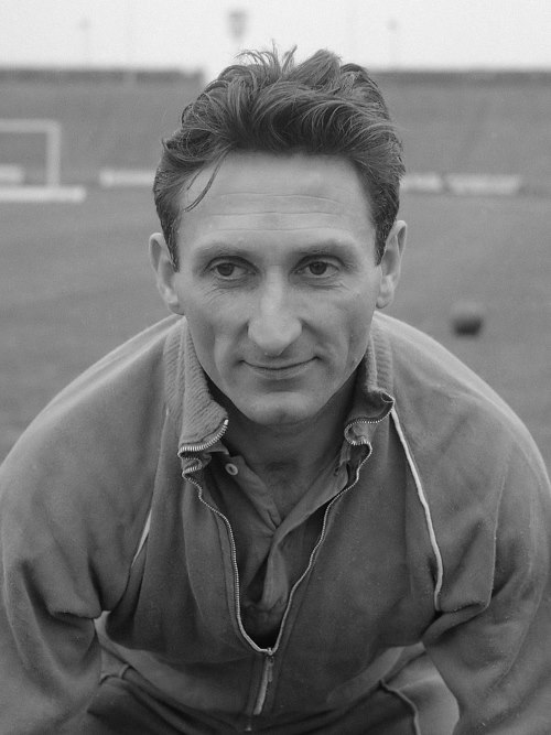Faas Wilkes - TOP 10 BEST DUTCH SOCCER STRIKERS OF ALL TIMES
