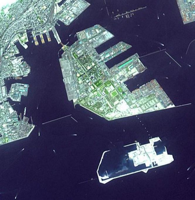 Port Island Japan - TOP 10 MAN MADE ARTIFICIAL ISLAND