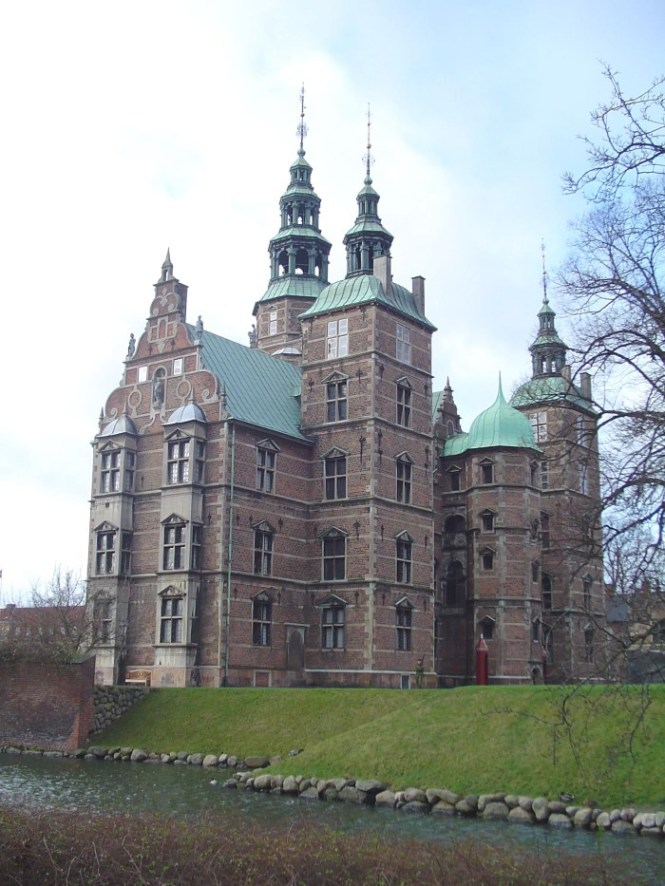 Rosenborg Slot - TOP 10 BEST COPENHAGEN TOURIST ATTRACTIONS AND THINGS TO DO