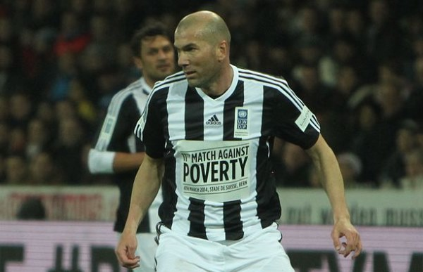 Zinedine Zidane1 - TOP 10 MOST EXPENSIVE SOCCER TRANSFERS