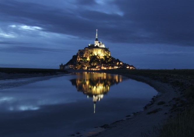 mont saint michel 1 - TOP 10 MOST BEAUTIFUL CASTLES IN THE WORLD