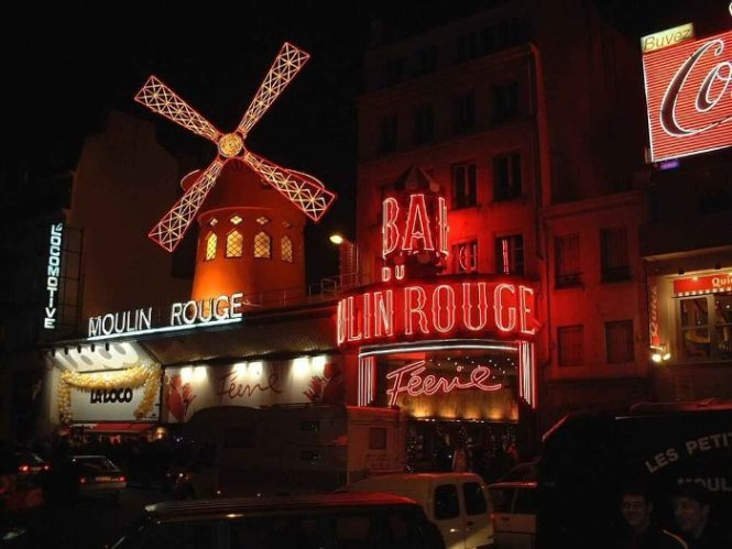 moulin rouge - TOP 10 TOURIST ATTRACTIONS IN PARIS - 10 ORIGINAL THINGS TO DO IN PARIS