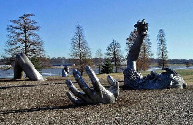 the awakaning - TOP 10 WEIRD AND STRANGE STATUES