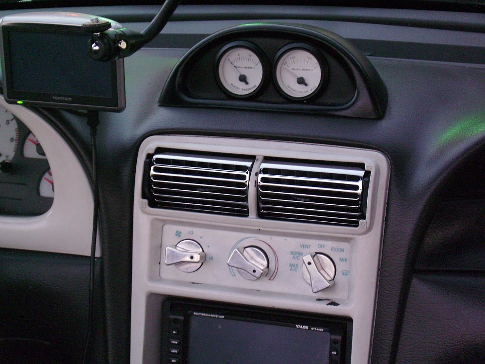 94 04 Mustang AC Vent Kit 4 Pc 145 For AFM Members