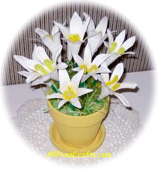 paper plate Easter lilies