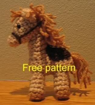 barnyard crochet horse