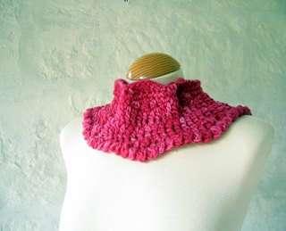 lipstick colored crocheted cowl