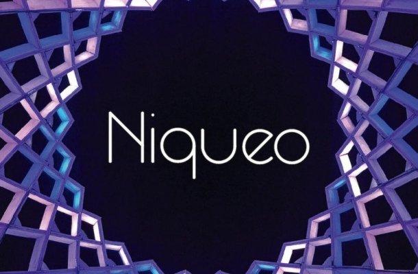 Niqueo Font