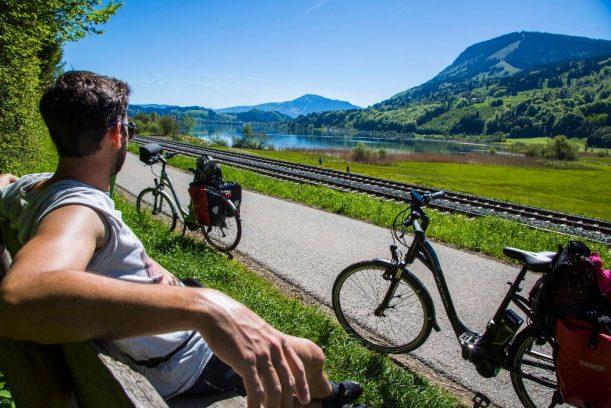 Rasten am großen Alpsee, ein schöner Platz auf der Radrunde Allgäu