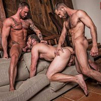 hot bareback threesome