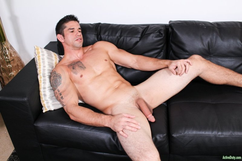 Muscular Hunk Jason Richards Jerking off 03
