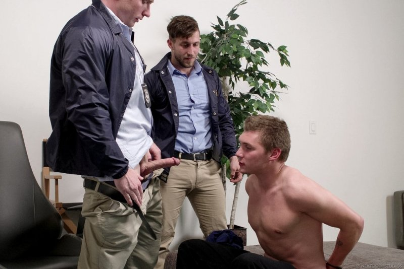 Agents Markie More and Nicholas Ryder Drill Elye Black Raw 01