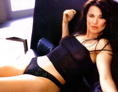 lucy-lawless-mag-spread