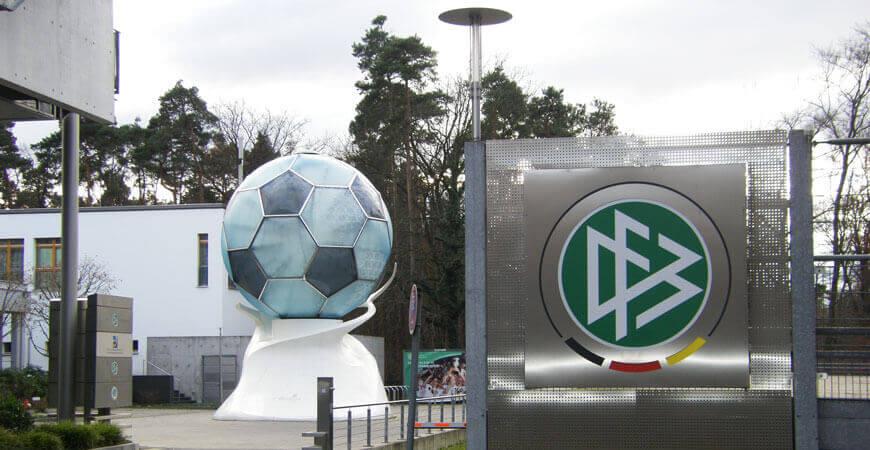 DFB Zentrale immer am Ball