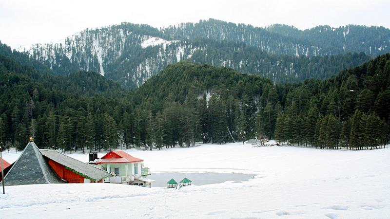 Khajjiar - 5 winter destinations to see snowfall in Himachal