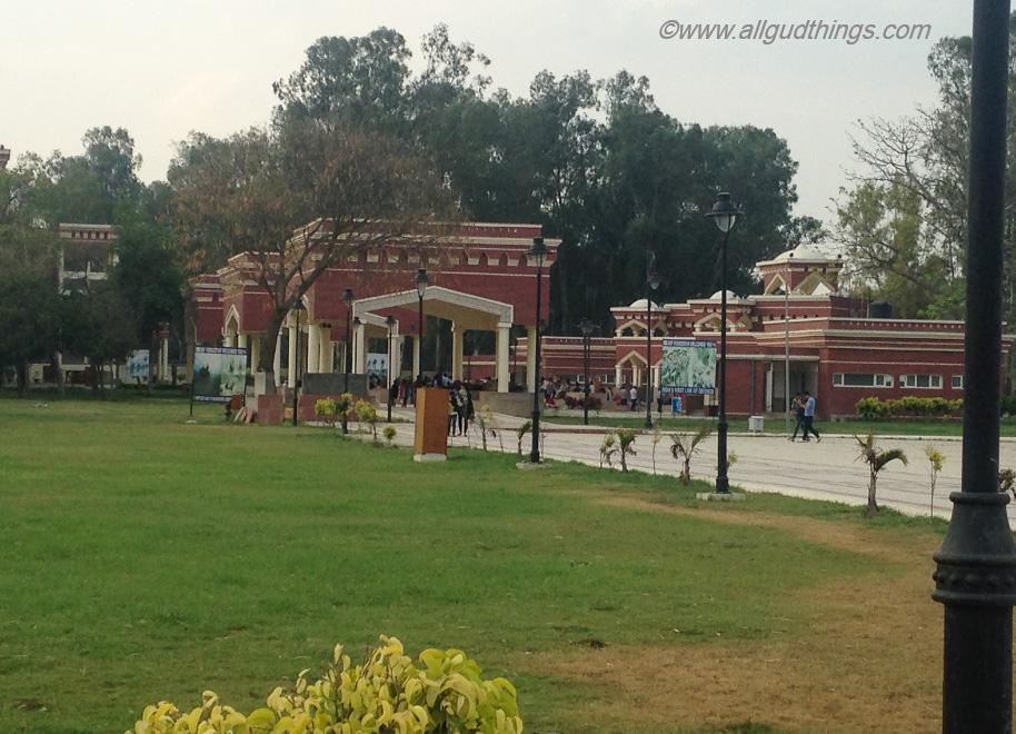 Way to Hussainiwala Border, Firozpur