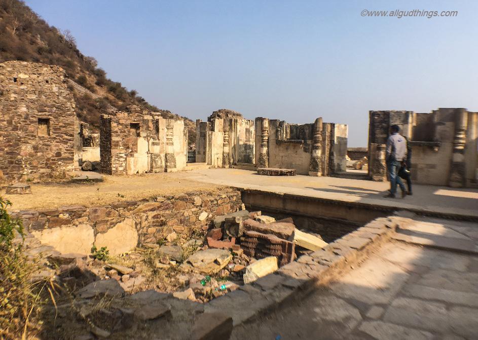 Bathing Tub of Rani Ratnavati in the haunted Bhangarh Fort