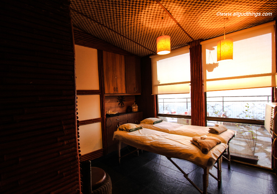 Couple Spa Rooms at Aamod Resort Shoghi
