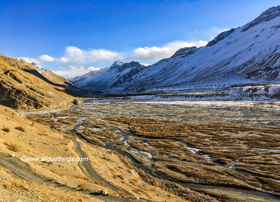 Landscapes of Spiti Valley in winters: Self Drive road trip guide