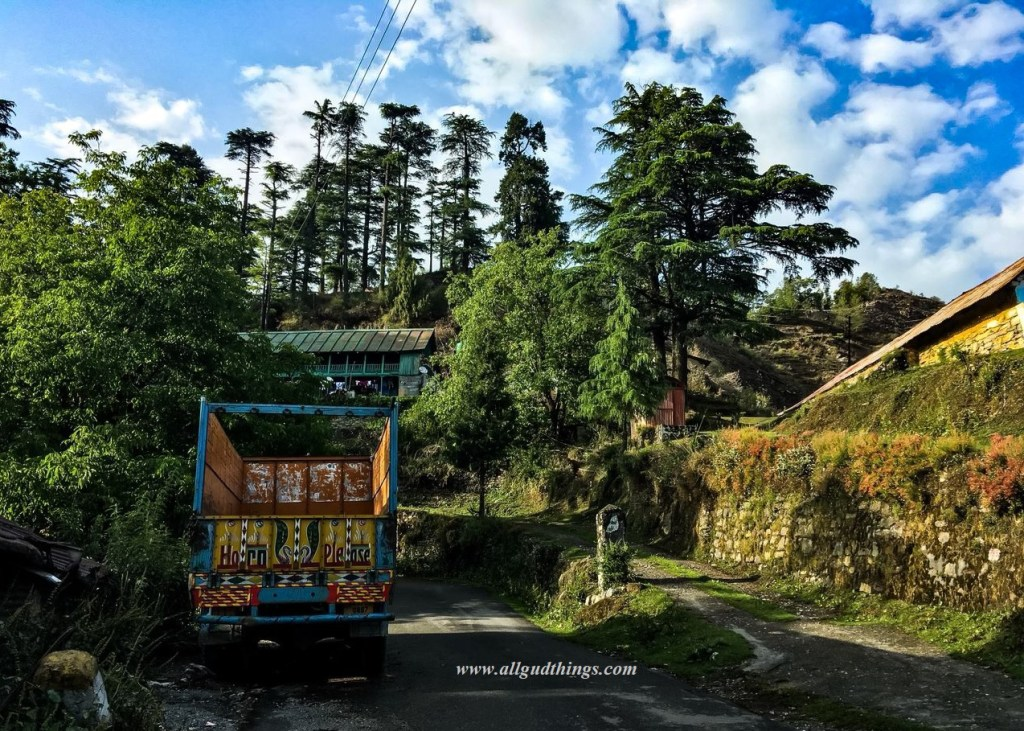 Roads to Deoban naer Check post