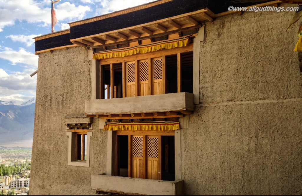 Overhanging Balaconies in Leh Palace