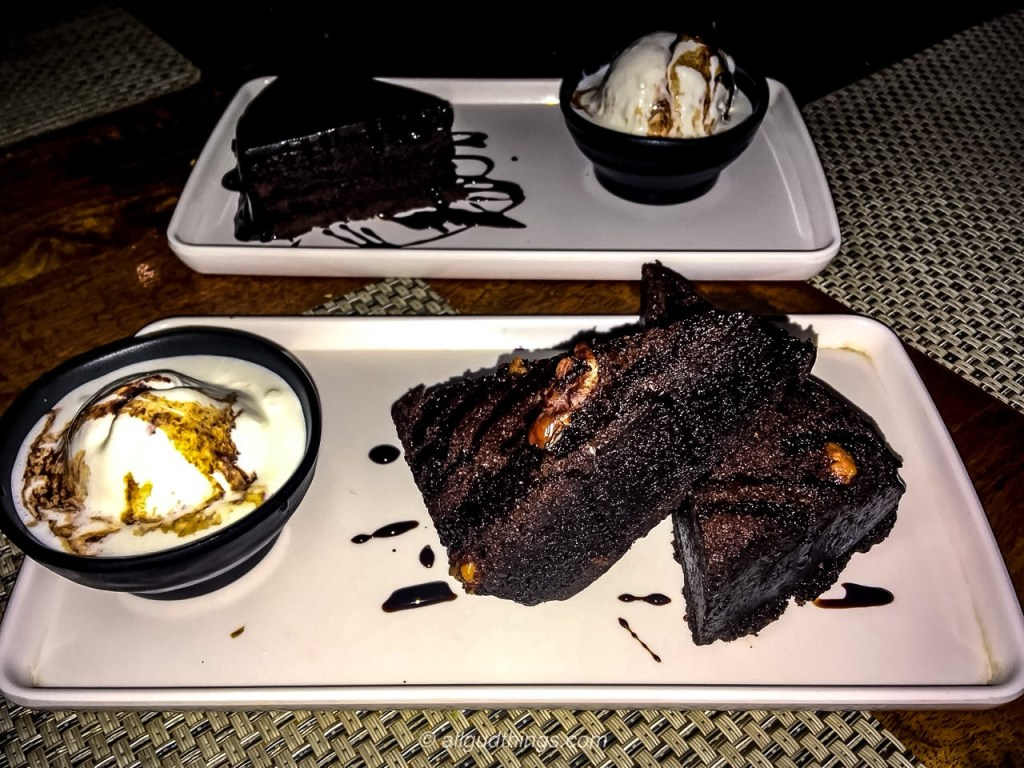 Chocolate Brownie with Vanilla Ice Cream at the clock tower, Gurugram