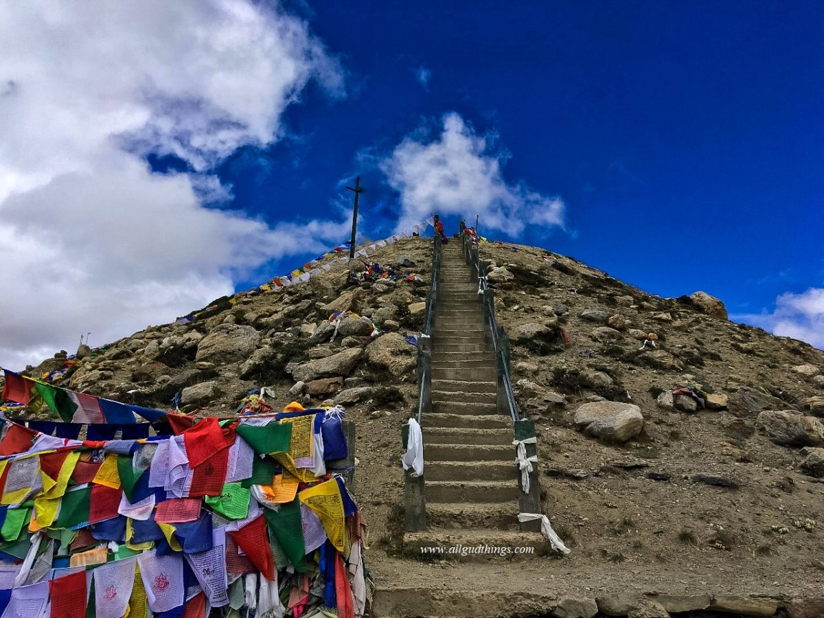 Stairs at Gurudongmar Lake